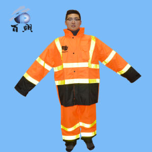 Durable 300d Rainwear with Good Quality pictures & photos