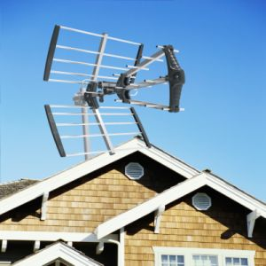 Compact Size Triple Outdoor TV Antenna (UHF-141)