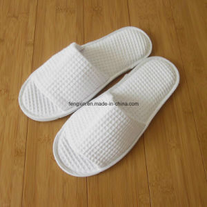 White Waffle with Logo Printing Hotel Disposable Slipper pictures & photos