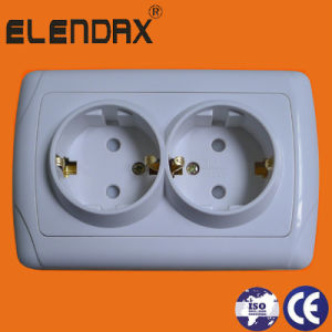Europe Standard 16A 250V Two Gang Electric Wall Socket (F3210) pictures & photos