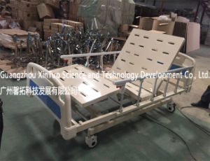 Factory Direct Price Clinic Bed Medical Supply Homecare Electric Bed pictures & photos