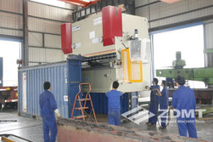 Hydraulic CNC Press Brake with Delem Da41s pictures & photos