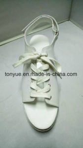 Lady Leather Thincker Rubber Outsole with Platefoam Fish Mouth Flat Sandals pictures & photos