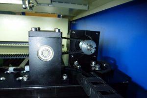 60W/80W/100W/120W/150W/180W CO2 Fabric Laser Cutting Engraving Machine 9060/1390/1610/2513 pictures & photos