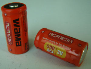 Rcr123A 3.7V 600mAh Rechargeable Li-ion Battery pictures & photos