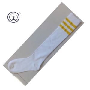 High Quality Cotton Men Football Socks pictures & photos