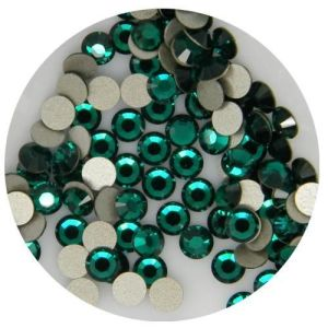 1440PCS Green Crystal Flat Back Rhinestones Emerald Ss12 (3.0mm) No Hotfix pictures & photos
