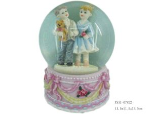 Wedding Decorative Polyresin Snow Globe (XY11-07822)