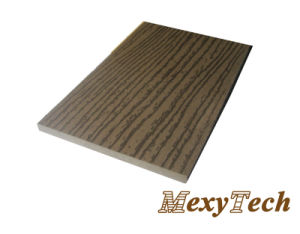 Plastic Wood Traditional Composite Decking with Wooden Texture pictures & photos