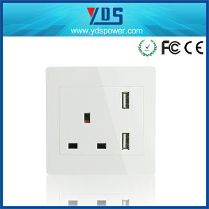 UK Style Standrad Wall Outlet Double USB Wall Socket UK pictures & photos
