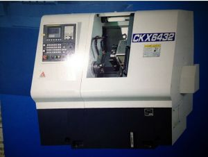 CNC Lathe (CKX6432-250) pictures & photos