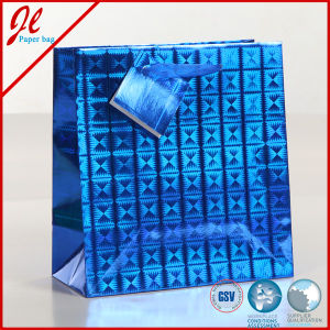 2017 New Arrival Hologram Paper Bags Laser Foil Paper Bag with Hang Tag pictures & photos