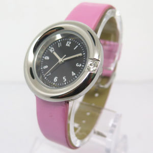 Womem′s Alloy Watch, Fashion Cheap Hot Watch (HL-CD030) pictures & photos