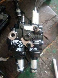7fb15-7fb20/7fb25/7fb30 Multi-Way Valve pictures & photos
