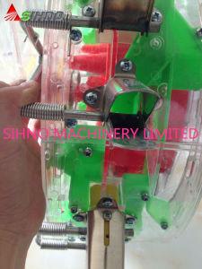 Seeder and Fertilizer in One Machine Corn Seeder pictures & photos