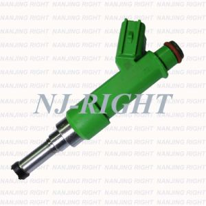 Genuine Fuel Injector (23250-0V010) for Toyota Scion pictures & photos