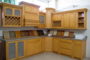 Kitchen Furniture Natural Wood Color Maple Kitchen Cabinets pictures & photos