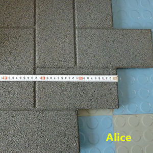 1100*1100mm Interlocking Outdoor Wearing-Resistant Rubber Tile pictures & photos