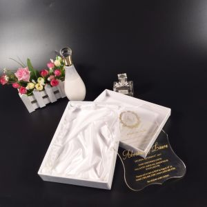 High Quality OEM Design Acrylic Wedding Invitation Laser pictures & photos