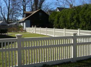 UV Resistant Vinyl Picket Fence pictures & photos