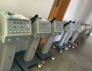 Ce Approved Hv-200 Breathing Machine Medical Ventilator pictures & photos