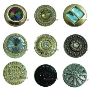 Shiny Rhinestone Crystal Metal Button for Ladies Jeans pictures & photos