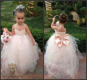 2015 New Sweet Little Flower Girl Wedding Dress pictures & photos