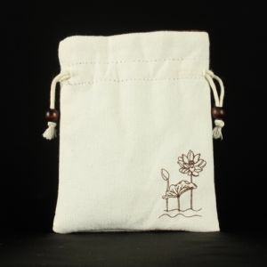Small Flat Drawstring Cotton Gift Pouch pictures & photos