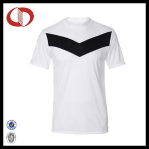 2016 Wholesale Short Sleeve Breathable Football Jersey pictures & photos