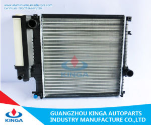 High Performance Aluminum Car Radiator of BMW318′87-91mt Low Price pictures & photos