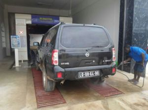 Automatic Tunnel Type Car Washing System pictures & photos