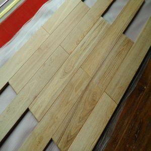 White Brused Natural Oak Hardwood Flooring Parquet pictures & photos