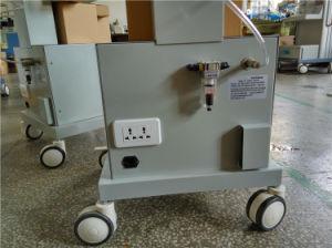 Hospital Equipment Breathing Machine ICU Ventilator with Air Compressor pictures & photos