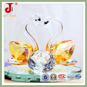 Amber High Quality Crystal Swan (JD-CW-105) pictures & photos