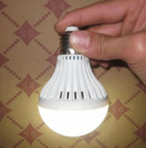 B22 12W Rechargeable LED Light Bulb with CE RoHS Approved pictures & photos