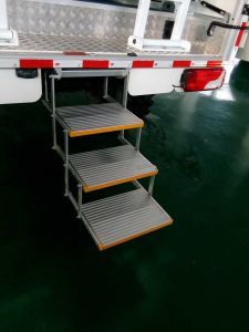 TUV Ce Aluminum Manual Folding Step Ladder Stool for Bus Taxi School Bus and Van pictures & photos