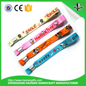 2015 Promotional Cheap Festival Wristband pictures & photos