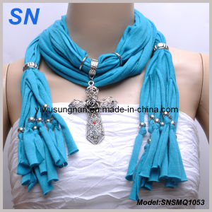 2014 Fashion Pendant Cross Scarf pictures & photos