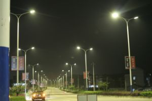 OEM&ODM High Power LED Solar Street Light with Aluminum Body Meanwell Driver pictures & photos