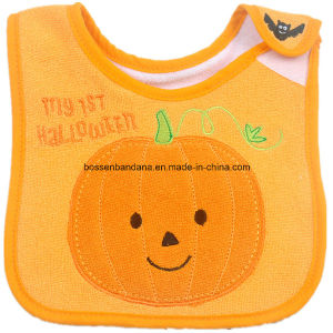 OEM Produce Customized Design Embroidered Pumpkin Halloween Festival Cotton Terry Baby Feeder Bibs pictures & photos