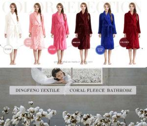 New Fashion Women′s Solid Color Coral Fleece Bathrobe Df-8836 pictures & photos