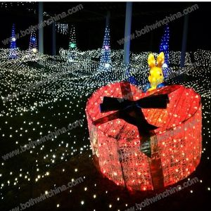 Red Gift Box LED Christmas Light for Festival Decorating pictures & photos