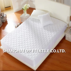 Hotel Fitted Mattress Protector with Hollow Fiber (DPH6178) pictures & photos