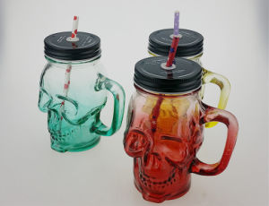 Skull Head Shaped Glass Bottle with Cork pictures & photos