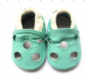 Child Shoes pictures & photos