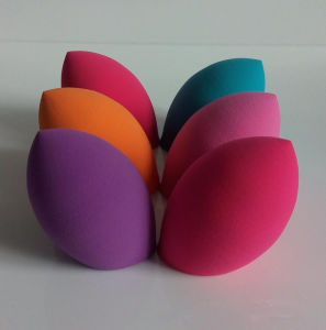 Sweet Beauty Colorful Makeup Powder Puff Blender Sponge with Low Price pictures & photos