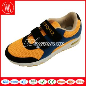Summer Breathable Children Magic Tape Sports Shoes pictures & photos