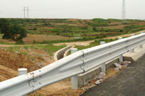 Steel Corrugated Beam Fence Highway Guardrail pictures & photos