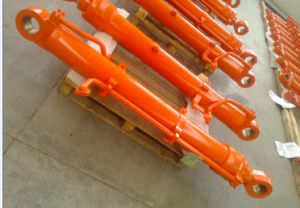 Hydraulic Cylinder for Hitachi Excavator Zaxis250-3 pictures & photos