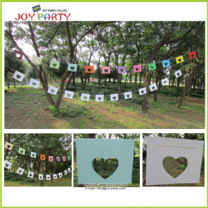 Heart Style Paper Garland for Valentine′s Day pictures & photos